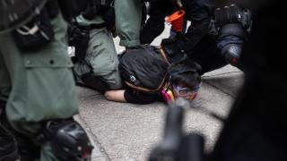 Китайската армия предупреди, че може да се намеси в Хонконг