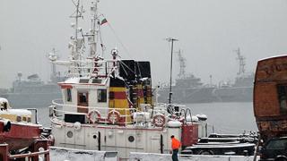 Снегът блокира Варна