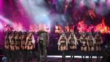 Барети пазят по време на концерта на Слави в София