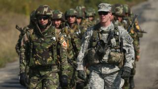"""Крайнодесният батальон """"Азов"""" се превръща в партия"""