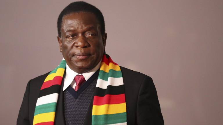 В Зимбабве властта си купува луксозни коли за милиони, докато хората гладуват