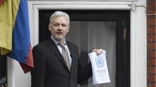 """Асанж обвини ЦРУ в """"смайваща некомпетентност"""""""