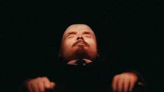 Мъж се опита да съживи Ленин
