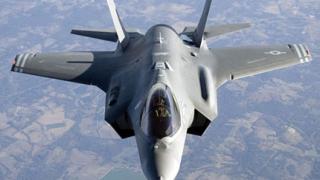 Възобновиха полетите с F-35