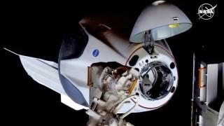 Две излизания в открития космос са предвидени за Касиди и Бенкън