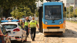 Трамвай и такси се удариха в София