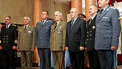 Първанов издаде укази за нови висши воински звания