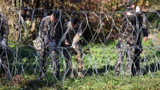 """""""Защитници на дома"""" в Словения патрулират границите, за да спират мигрантите"""