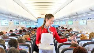 Защо храната в самолета има друг вкус?