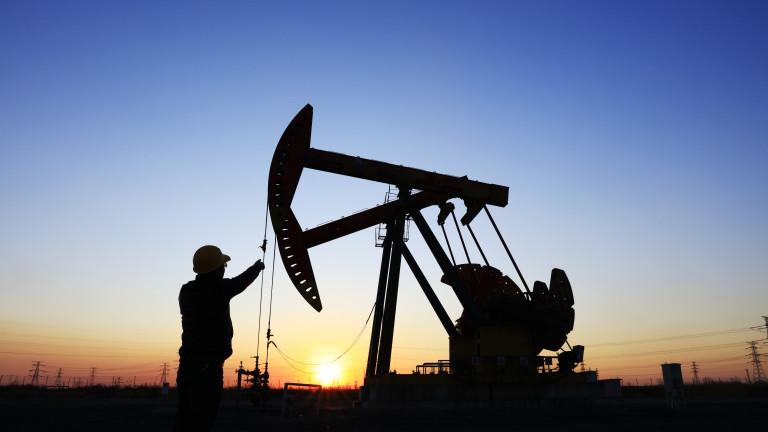 Петролът не е бил толкова скъп от повече от година