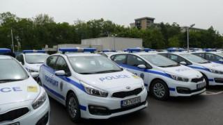 Маринов оборудва полицаите с нови коли и униформи