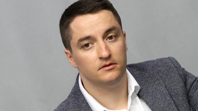 Заря е гръмнала над главата на Цветанов, категоричен Явор Божанков