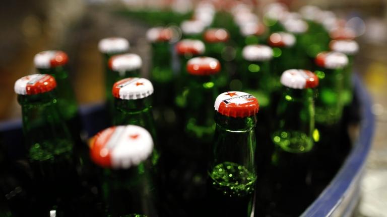 Увеличава се търсенето на бира в кенове и стъклени бутилки