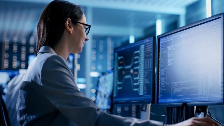 НСИ: Почти 100% от предприятията ползват компютри, 93.7% са в мрежата