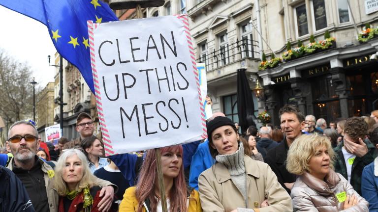Повече от 5 млн. души искат отмяна на Брекзит