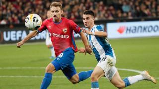 Роман Абрамович води руски нападател в Челси