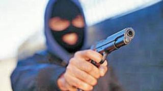 Въоръжени ограбиха бензиностанция край Сливен