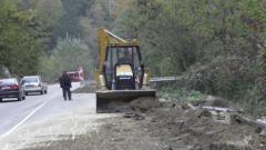 Свлачище блокира отново част от пътя между Асеновград и Асеновата крепост