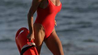 Памела Андерсън: Пробих благодарение на бюста си