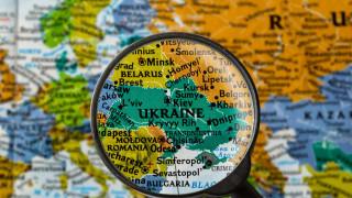 Невиждани от десетилетие наводнения в Украйна взеха жертви