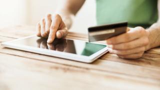 """Първа в света """"Кредисимо"""" пуска чатбот услуга за онлайн кредити"""