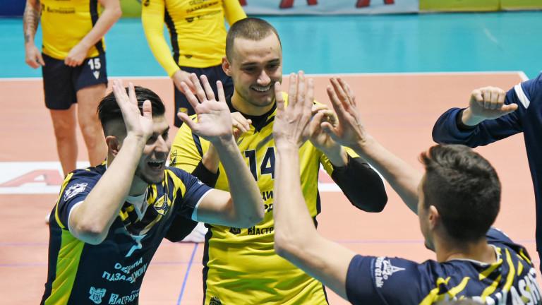 Волейболният Хебър постигна експресна победа в Първата осмица на Суперлигата.