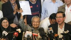 Опозицията в Малайзия с първа изборна победа от 60 г.