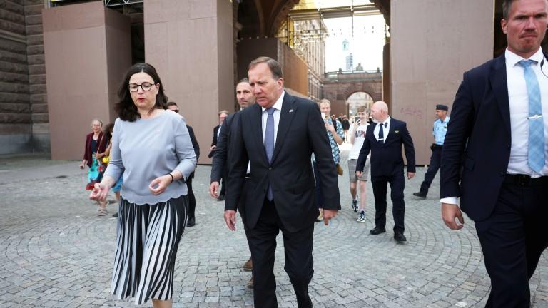 Премиерът на Швеция свален от власт след вот на недоверие