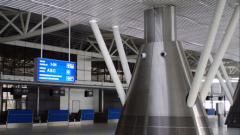 Полетите на Летище София закъсняват с 30 минути
