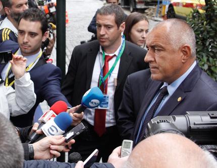 Милиарди харчим да държим ромите в България, изригна Борисов в Брюксел