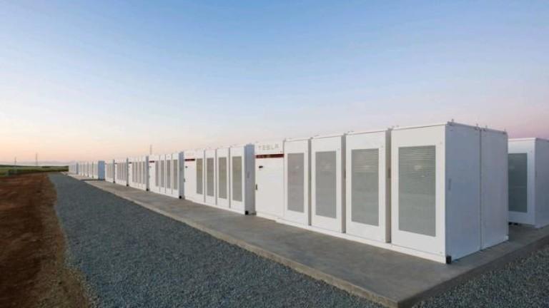 Tesla прави най-голямата литиево-йонна батерия в света още по-голяма