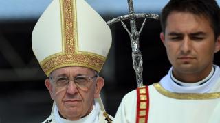 Да не свързваме исляма с насилието, призова папата