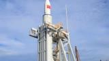 Китай за първи път изстреля ракета към космоса от платформа в море