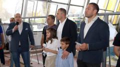 Министър Кралев даде старт на международния турнир по плуване в памет на Стефан Попов - Замората