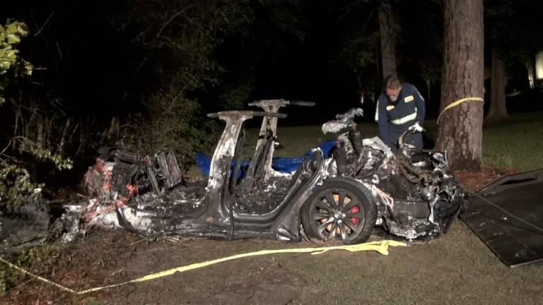 Поредният инцидент с Tesla Model S на автопилот