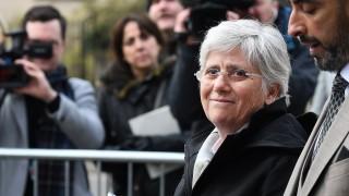 Бивш каталунски министър се предаде на властите в Шотландия