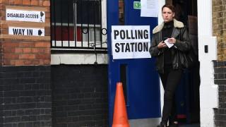 Защо изборите във Великобритания се оказаха исторически за Google?