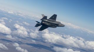 Норвегия ще има изтребители пето поколение F-35