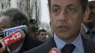 Блеър и Саркози бистрят политиката на вечеря