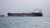 """Заради опасност от екокатастрофа либийския танкер """"БАДР"""" е в наше пристанище"""