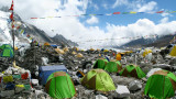 Какво се случва със събраните от Еверест отпадъци