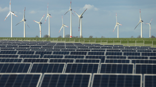 Китай се подготвя за края на петролно-въглищната ера