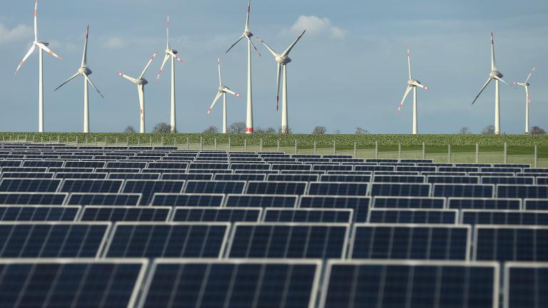 Възобновяемата енергия надмина тази от въглищата за пръв път