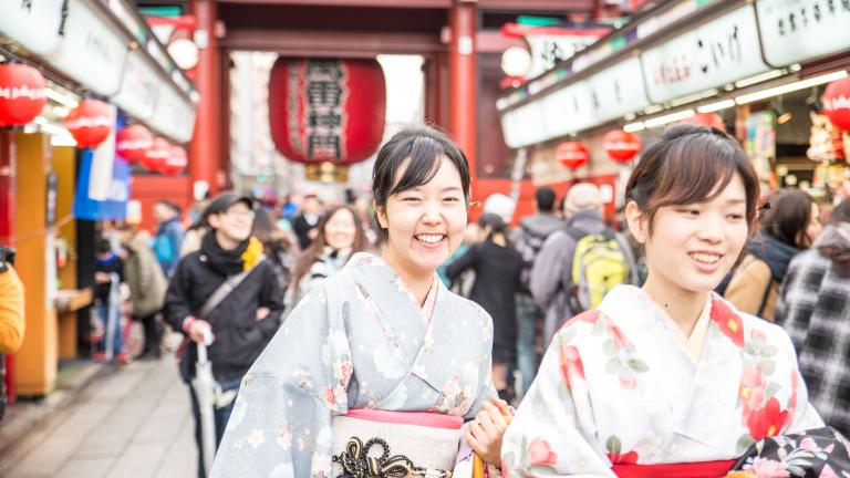 В търсене на растеж Япония ООД изпревари Китай за първи път от години