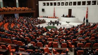 Парламентът на Турция одобри изпращане на войници в Либия