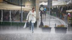 Силна буря отне живота на трима души в Полша