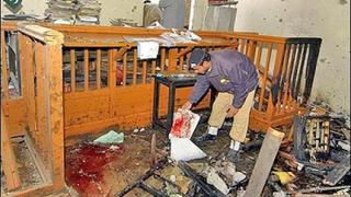15 загинаха при самоубийствен атентат в Пакистан