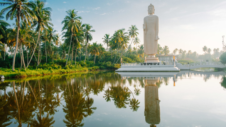Снимка: Колко тежко ще пострада икономиката на Шри Ланка след атентатите?