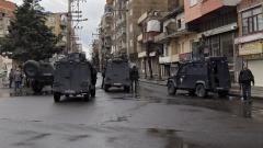 15-ина убити и ранени турски войници от крайпътни бомби в Югоизточна Турция