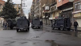 Затвор за 111 кюрдски опозиционери в Турция